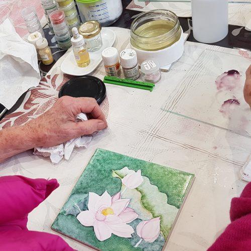 lunaterrana-stage-adulte-peinture-sur-porcelaine1